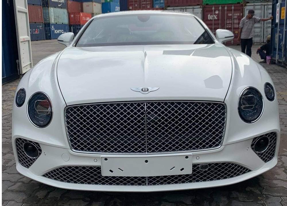 Diện mạo Bentley Continental GT V8 thuộc bản 100 năm lúc mới về nước