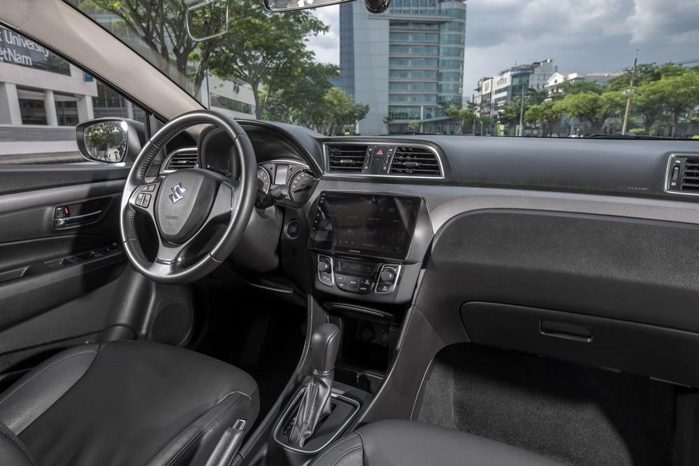 Suzuki Ciaz mới có màn hình giải trí 9 inch không tích hợp Apple Car Play/Android Auto
