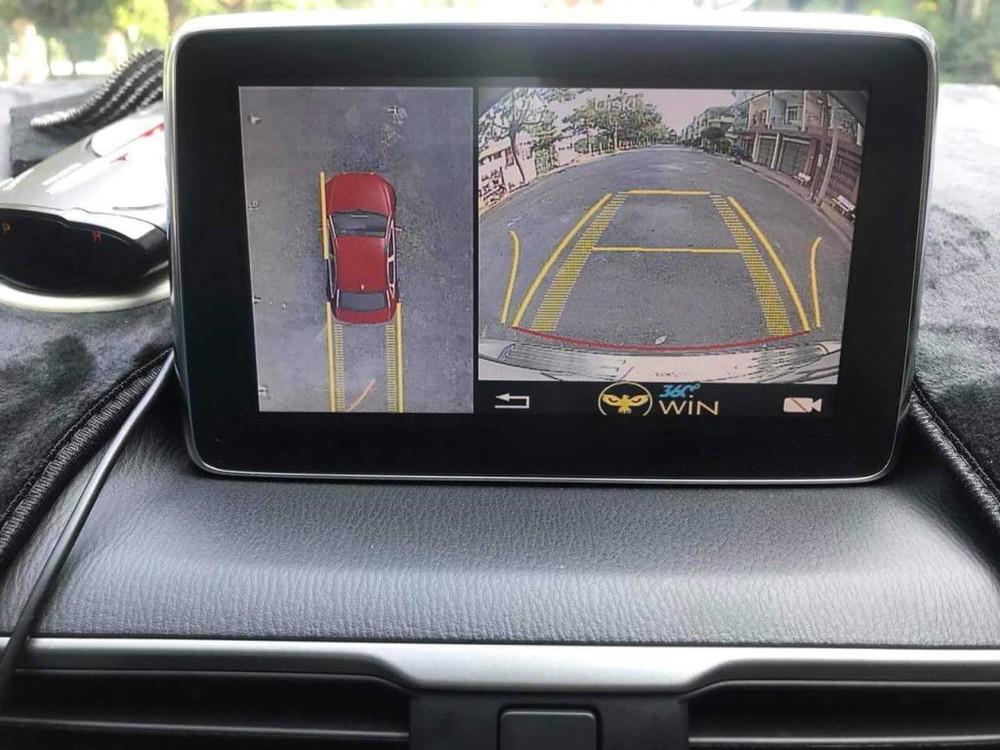Camera lùi 360 giúp quan sát phía sau xe bao quát hơn