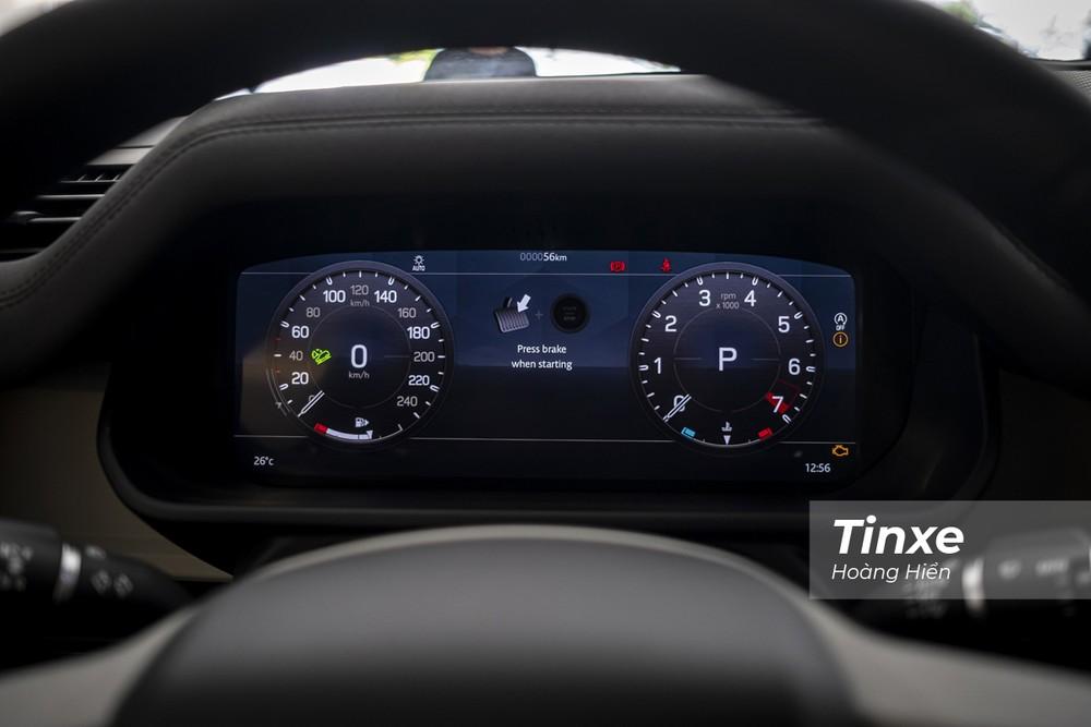 Phía sau vô-lăng là màn hình kỹ thuật số hiển thị đa thông tin với kích thước tới 12,3 inch.