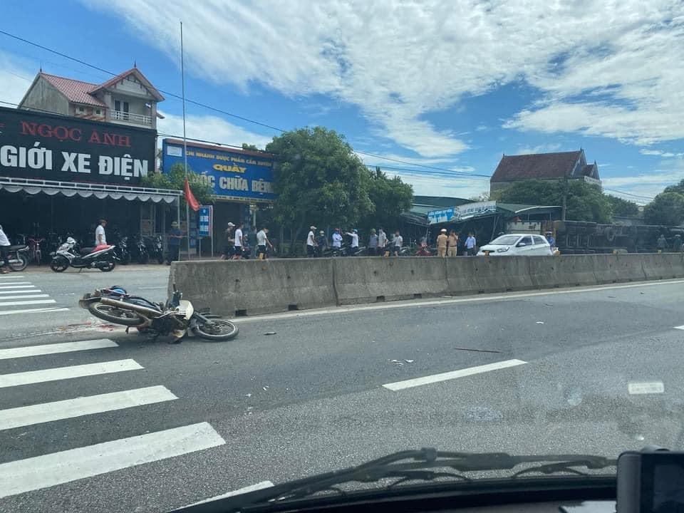 Chiếc xe máy của ông U. tại hiện trường vụ tai nạn
