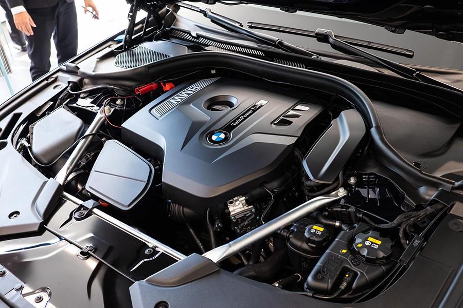 Động cơ của BMW 5 Series