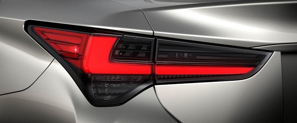 Thiết kế đèn hậu kiểu dáng chữ L đặc trưng của Lexus