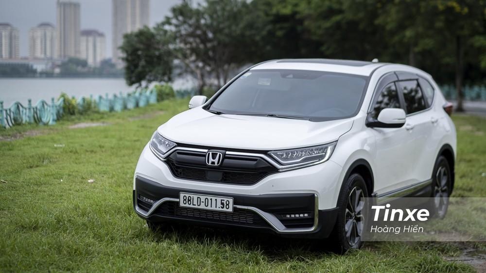 Tổng quan thiết kế của Honda CR-V 2020 không có quá nhiều khác biệt so với người tiền nhiệm nên tạo cảm giác gần gũi với nhiều khác hàng Việt Nam.