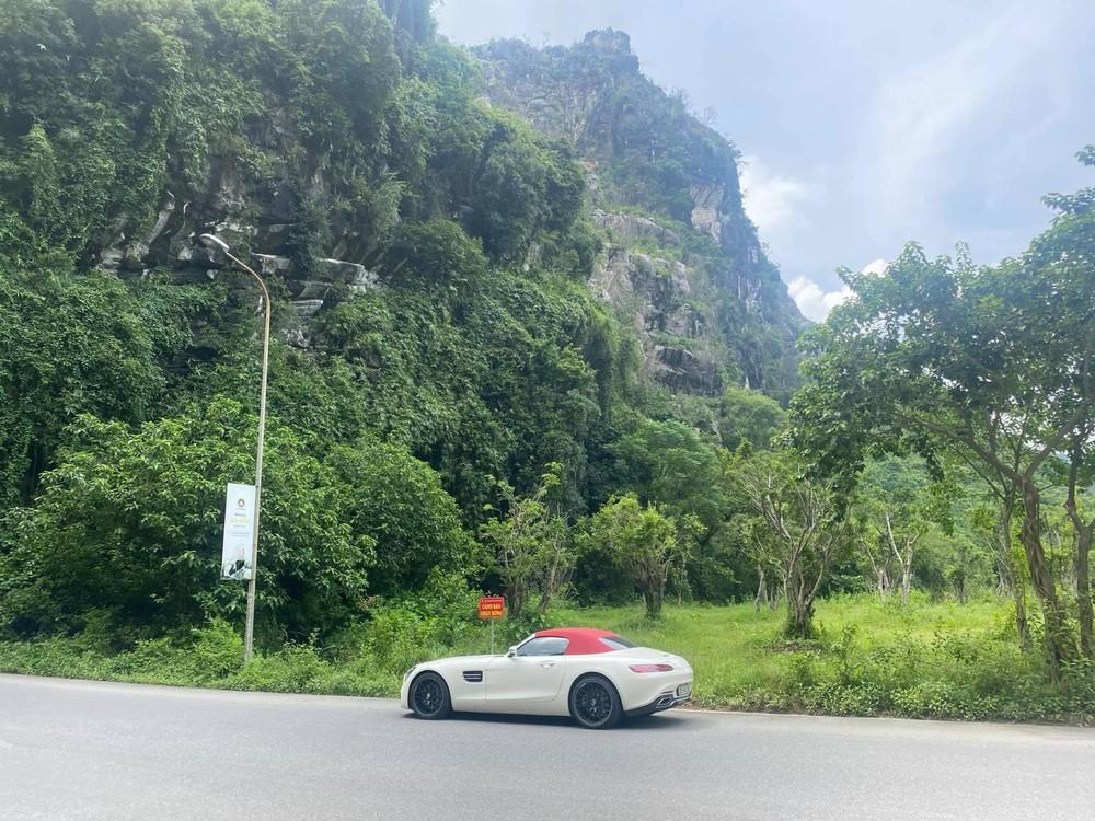 Mercedes-AMG GT Roadster lúc còn ở Ninh Bình