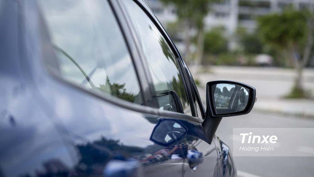 Gương chiếu hậu của xe