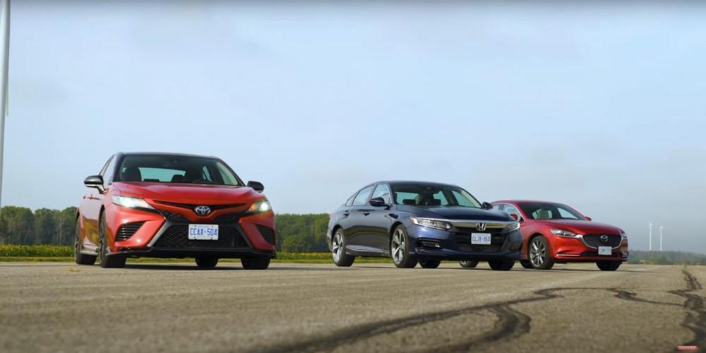 """Kênh YouTube """"Throttle House"""" mới đây đã tổ chức đua drag giữa Toyota Camry TRD 2020, Honda Accord 2020 và Mazda6 2020"""