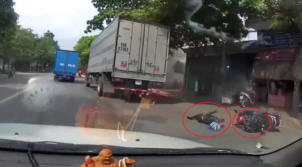 Vụ tai nạn khiến 2 người phụ nữ đi xe máy thương vong