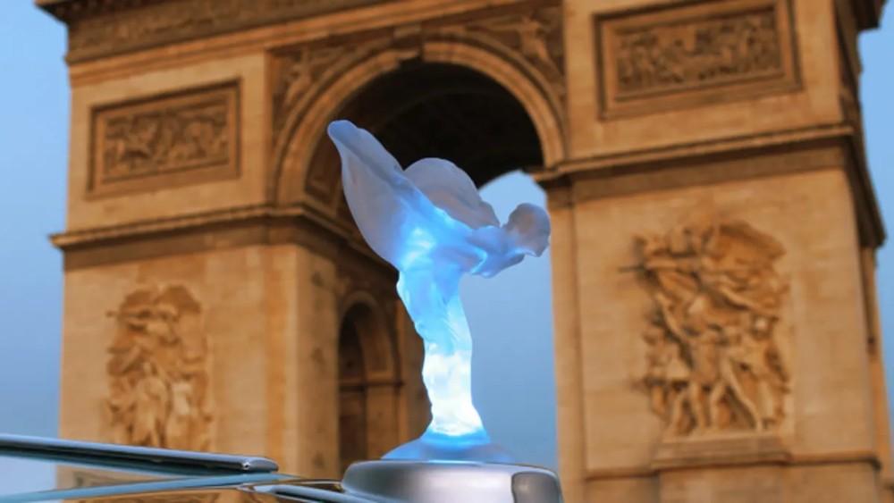 Hãng Rolls-Royce sẽ hoàn tiền cho những ai đã mua biểu tượng Spirit of Ecstacy phát sáng