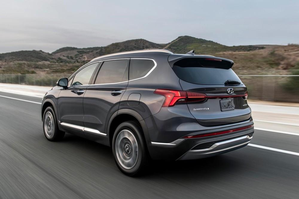 Hyundai Santa Fe 2021 có cả động cơ xăng tăng áp 2.5L
