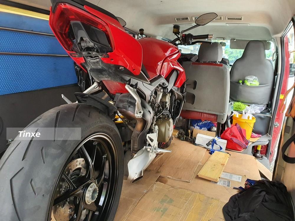 Ducati Streetfighter V4 đầu tiên về Việt Nam có giá hơn 1 tỷ đồng