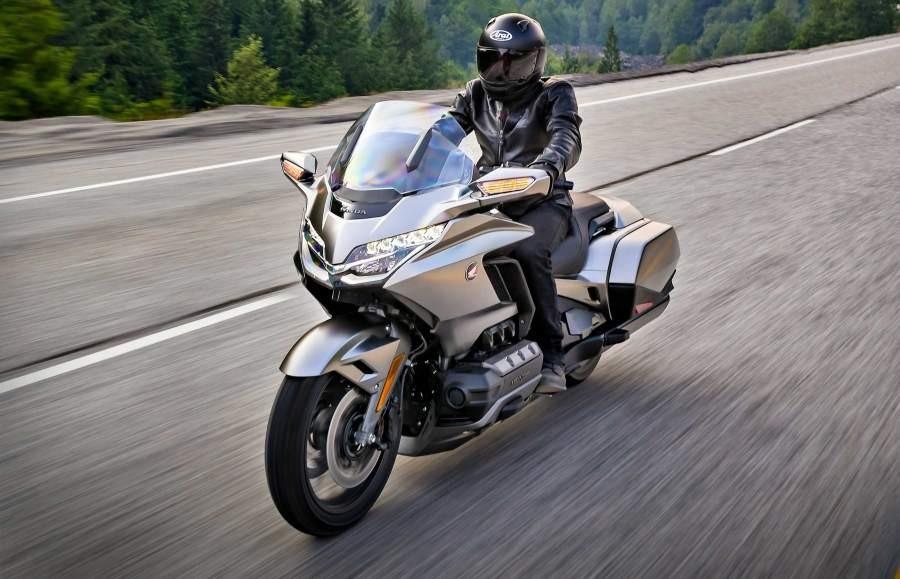 Xe Touring thường được mệnh danh là Chuyên cơ mặt đất