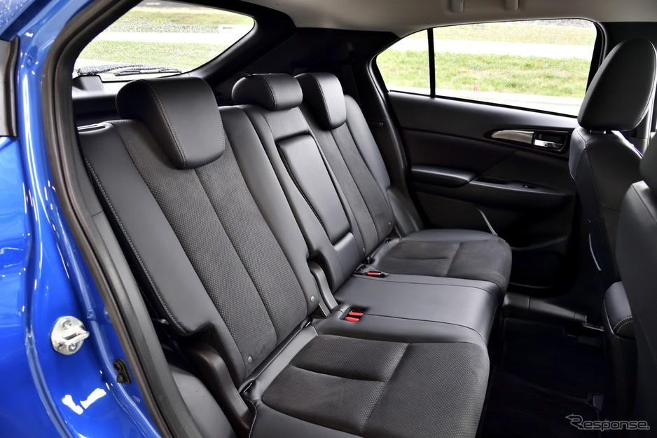 Hàng ghế sau của Mitsubishi Eclipse Cross 2021