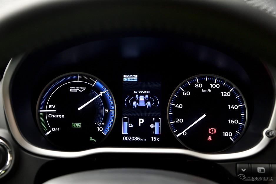 Bảng đồng hồ của Mitsubishi Eclipse Cross 2021