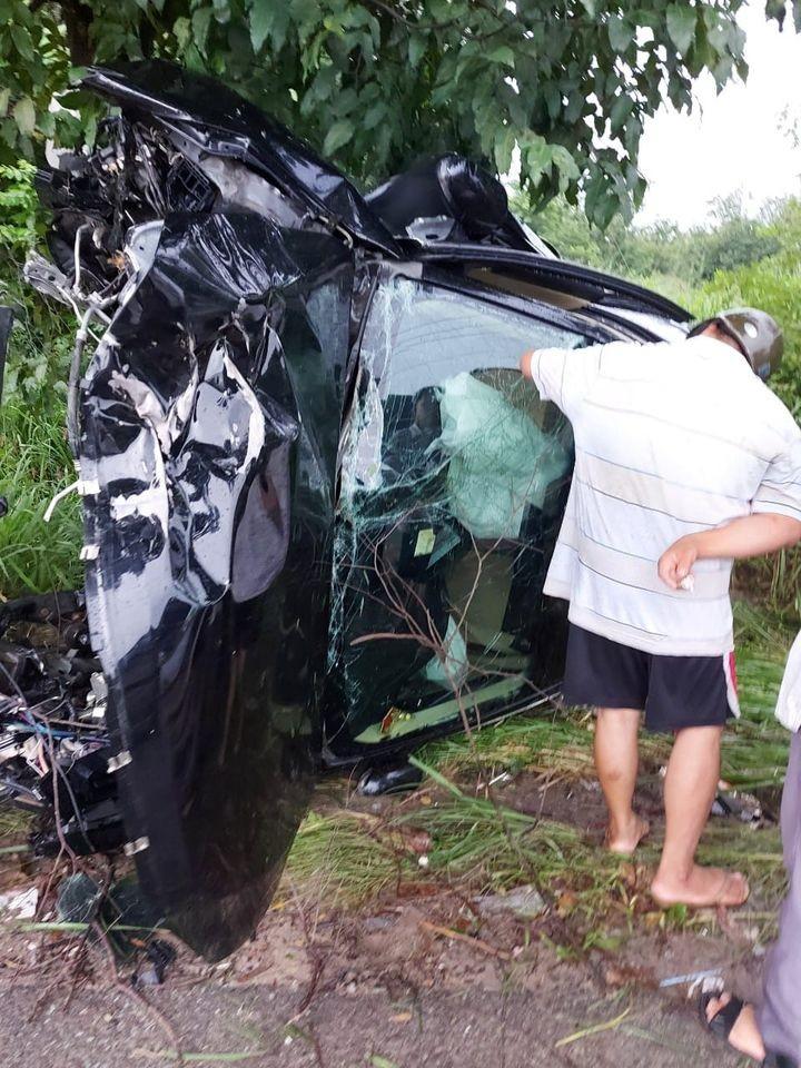Túi khí bên trong chiếc Toyota đã bung ra