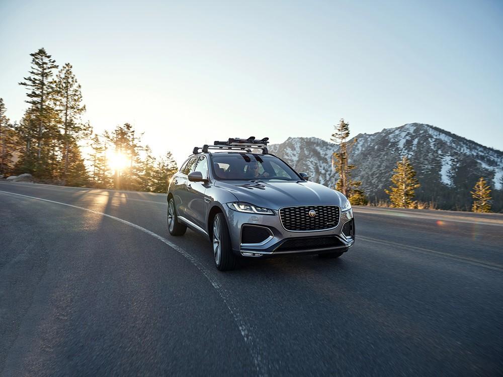 Jaguar F-Pace mới sẽ là một trong những mẫu xe đầu tiên được trang bị công nghệ Khử ồn mới.a