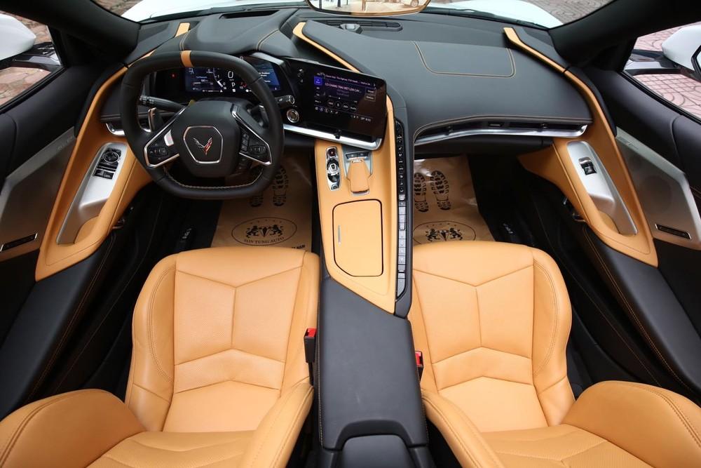 Nội thất của Chevrolet Corvette C8 Stingray 2LT 2020 tại Việt Nam