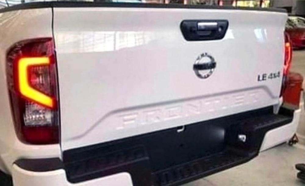 Thiết kế đằng sau của Nissan Frontier và Navara mới
