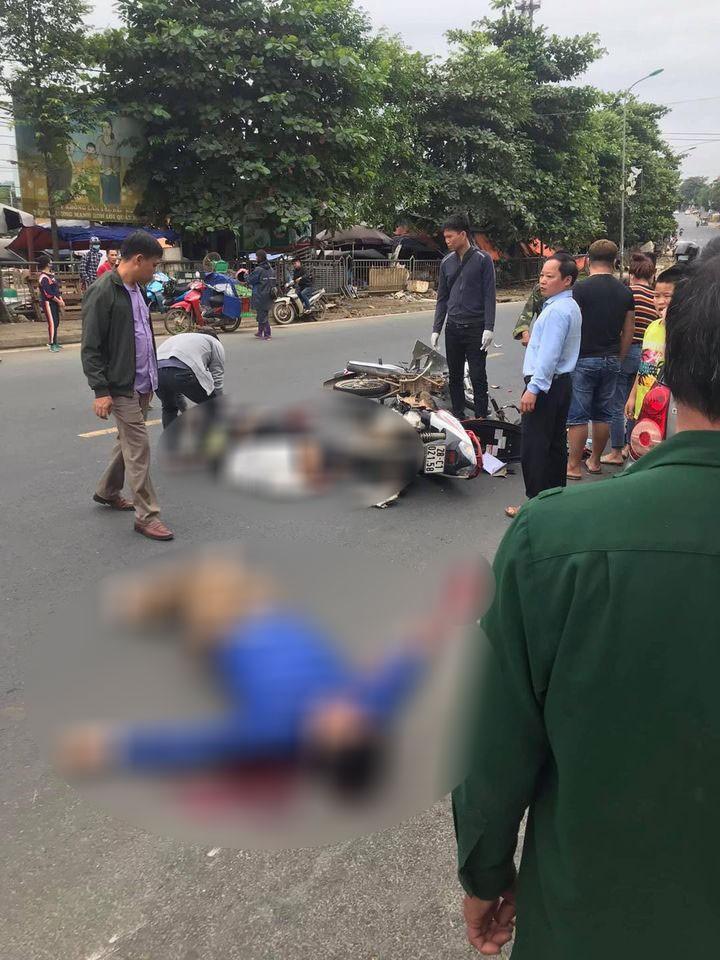 Hiện trường vụ tai nạn nghiêm trọng tại Hòa Bình