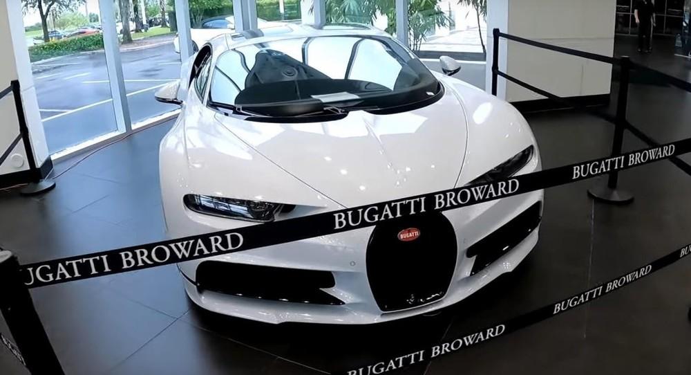 Chiếc siêu xe Bugatti Chiron Sport đang được đại lý Lamborghini Broward cho thuê với giá cắt cổ