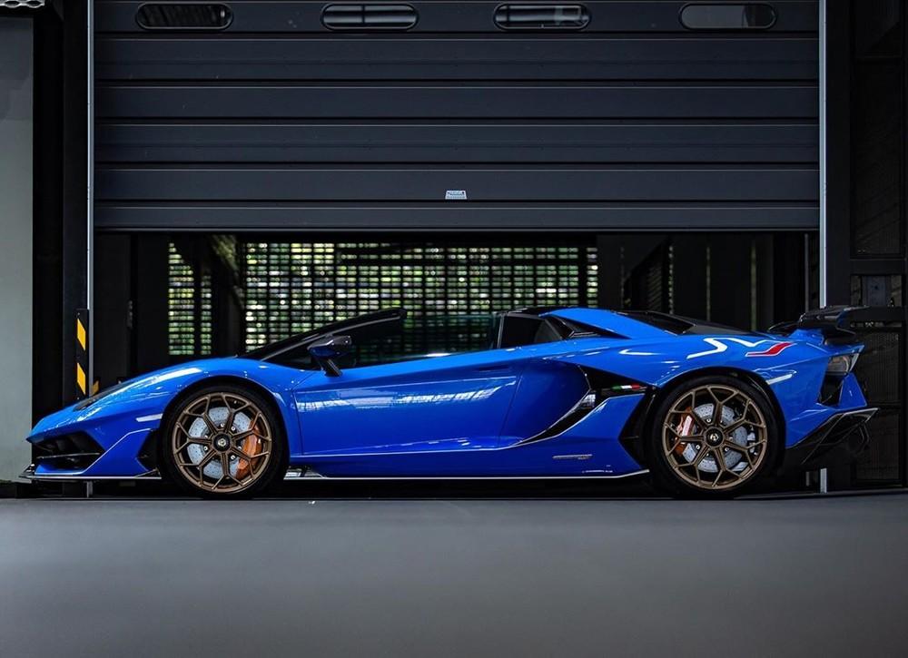 Lamborghini Aventador SVJ mui trần có giá tại Thái Lan hơn 37 tỷ đồng