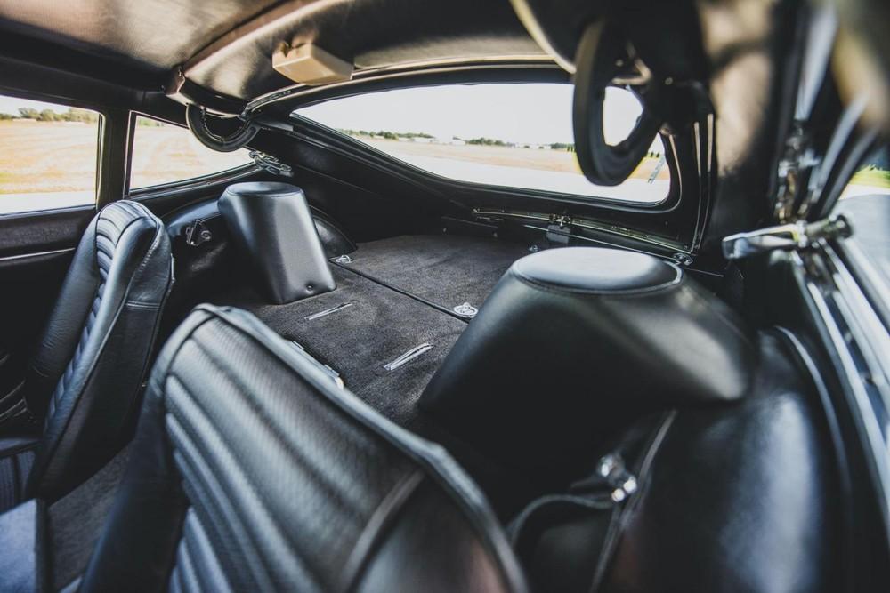 Bên trong nội thất củachiếc Toyota 2000GT 1967