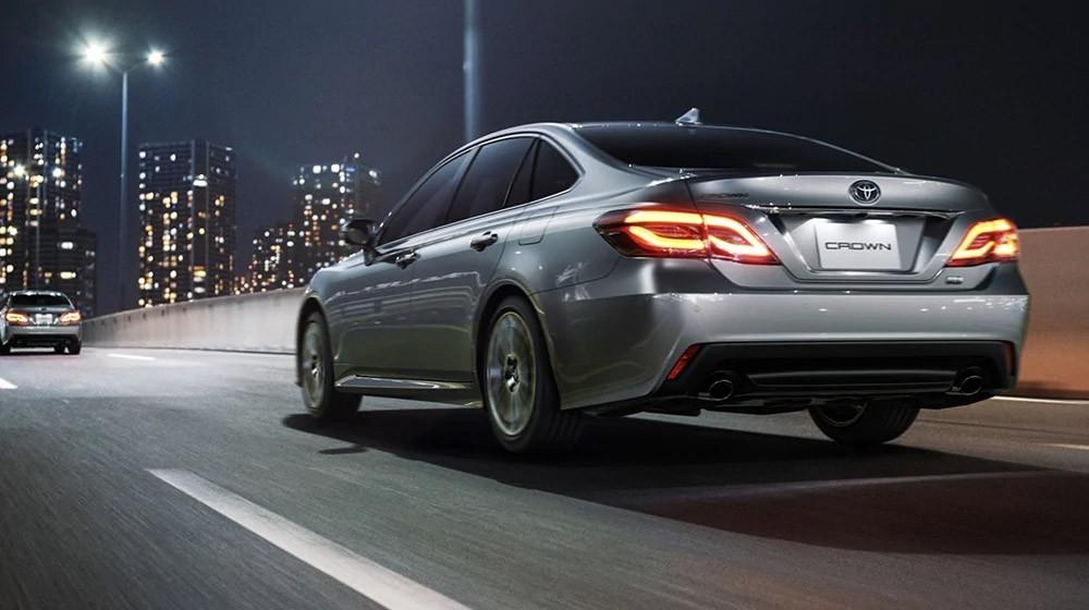 Toyota Crown 2021 vẫn dùng 3 động cơ cũ