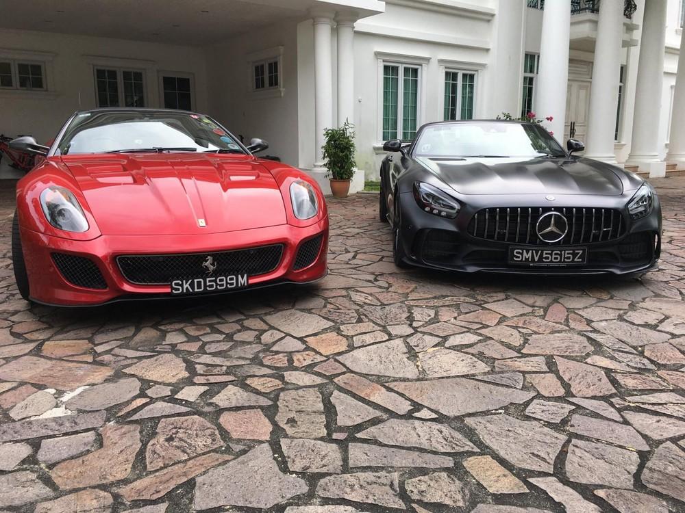 Mercedes-AMG GT R Roadster mới được đại gia Singapore bổ sung vào garage xe đẹp mắt của mình