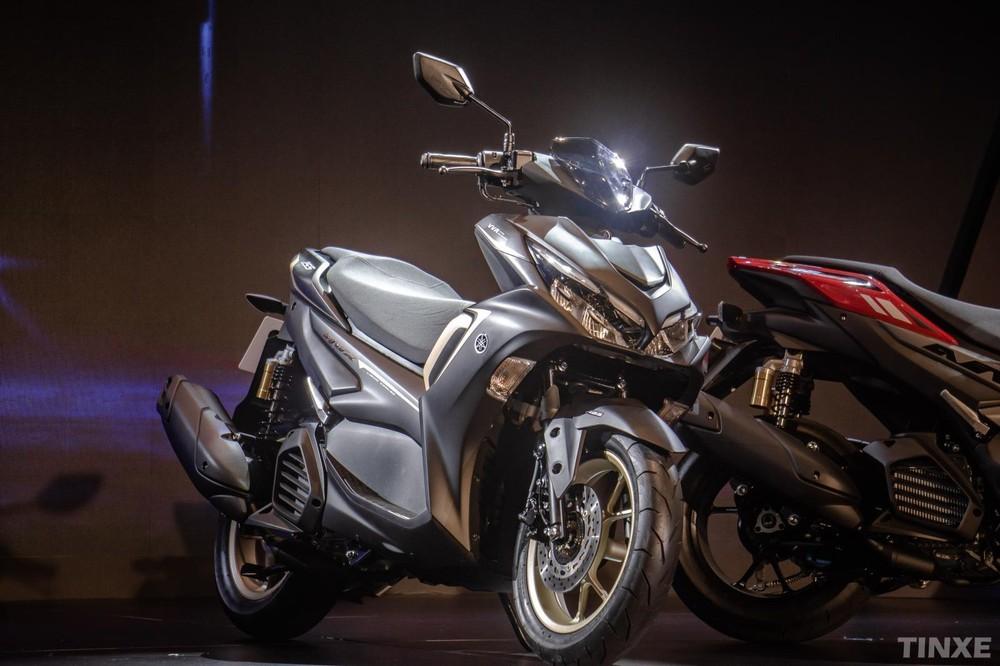 Xe maxi-scooter sử dụng động cơ từ 250-850cc.