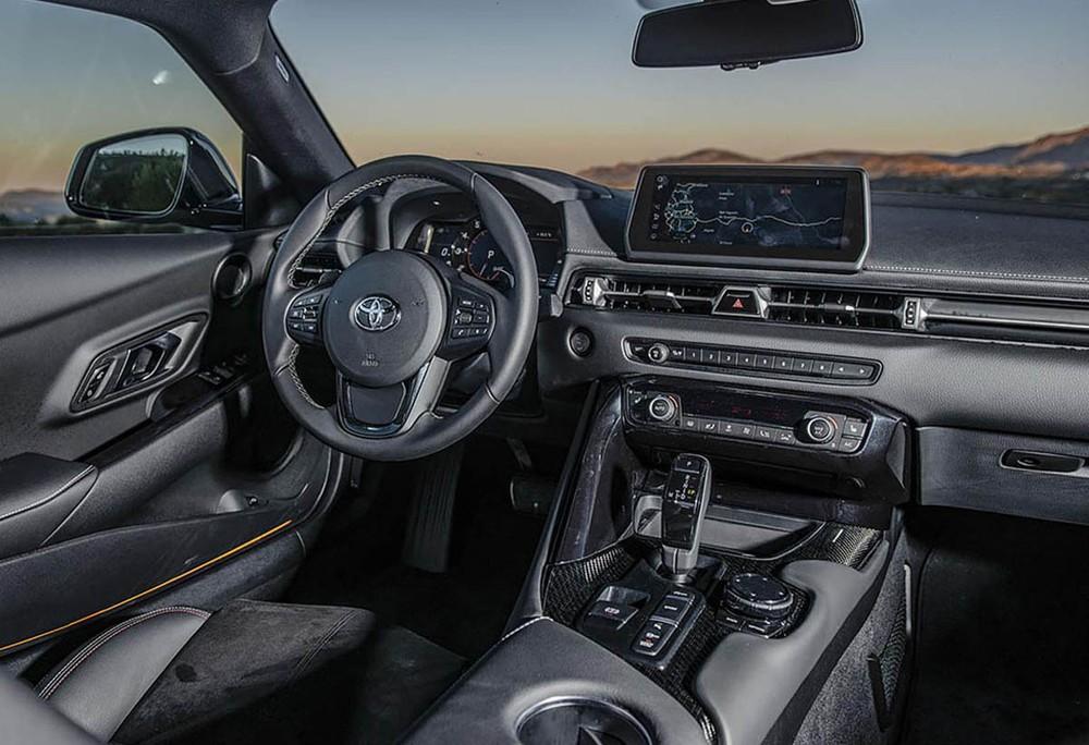 Nội thất của Toyota GR Supra thì lại gào thét tên của BMW