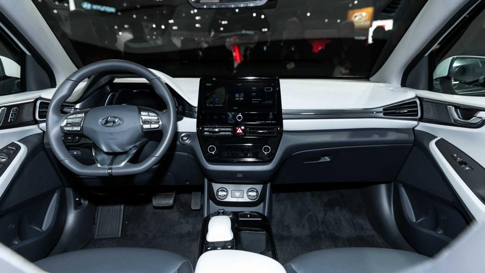 Nội thất bên trong Hyundai Ioniq phiên bản mới nhất