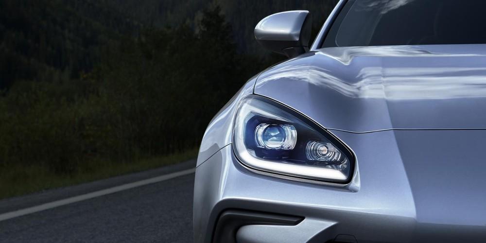 Cận cảnh đèn pha của Subaru BRZ 2022