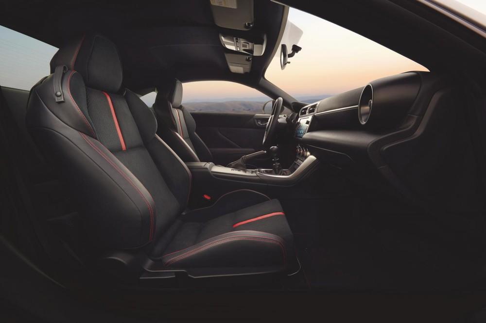 Hàng ghế trước của Subaru BRZ 2022