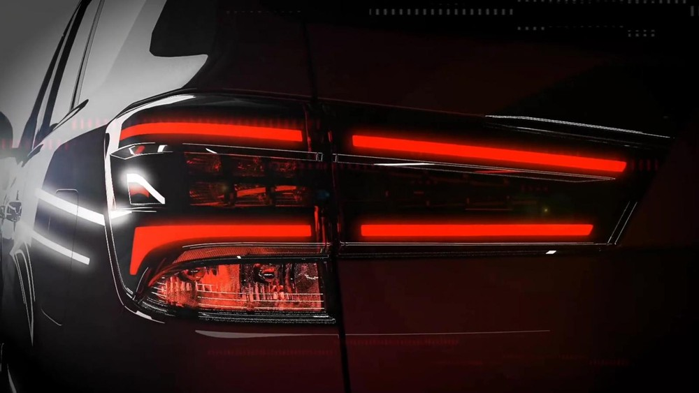 Cụm đèn hậu của Nissan Terra 2021