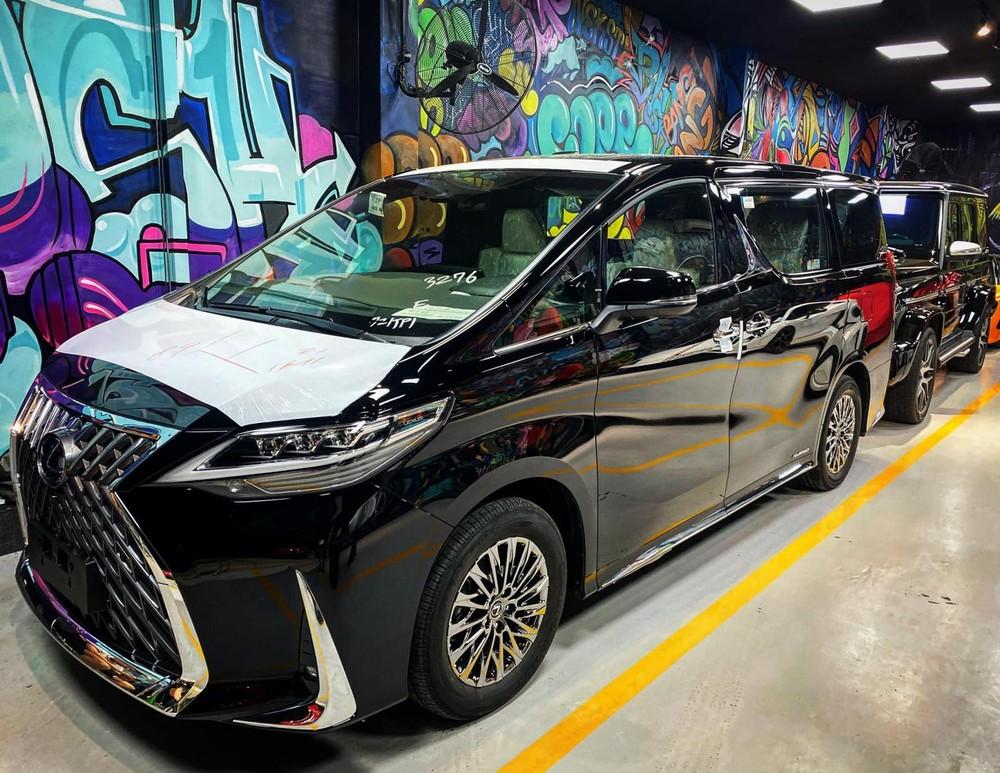MPV hạng sang Lexus LM 300h 2020 hứa hẹn làm đại gia Việt say mê trong 2 tháng cuối năm 2020
