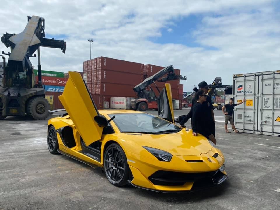 Đây là 1 trong 2 chiếc siêu xe Lamborghini Aventador SVJ đang có mặt tại Việt Nam