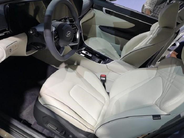 Nội thất bên trong Hyundai Mistra 2021