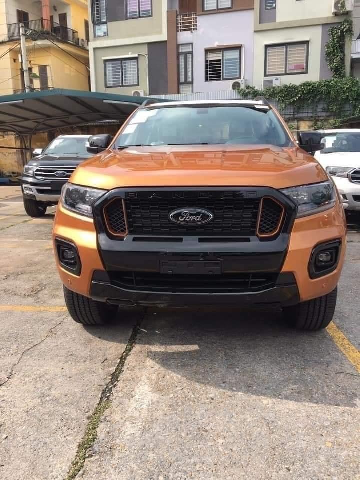 Phần đầu xe Ford Ranger 2020 có sự thay đổi.