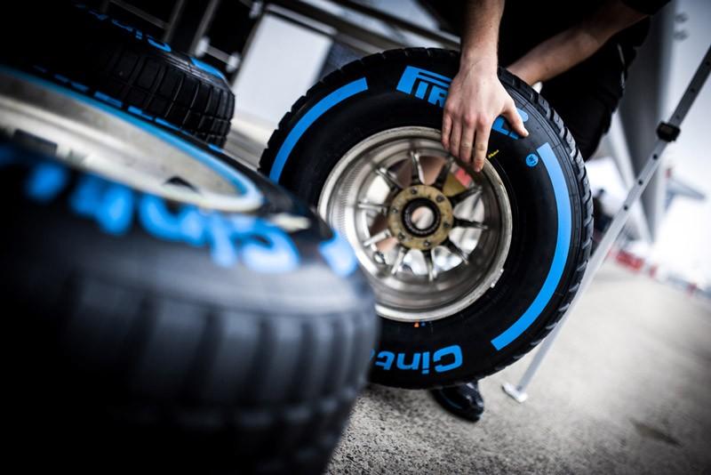 Lốp Pirelli có giá thành cao.