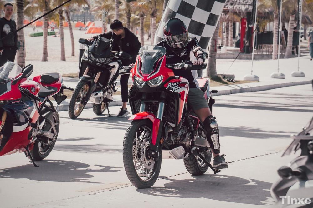 Các biker hào hứng trải nghiệm Honda Africa Twin 1100L 2020 trên đường thử