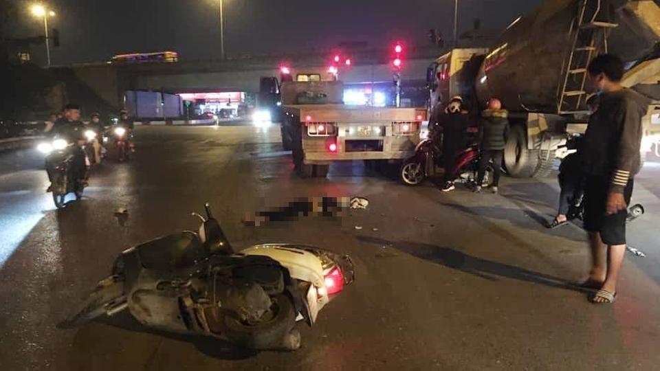 Vụ tai nạn khiến giao thông qua đây gặp khó khăn