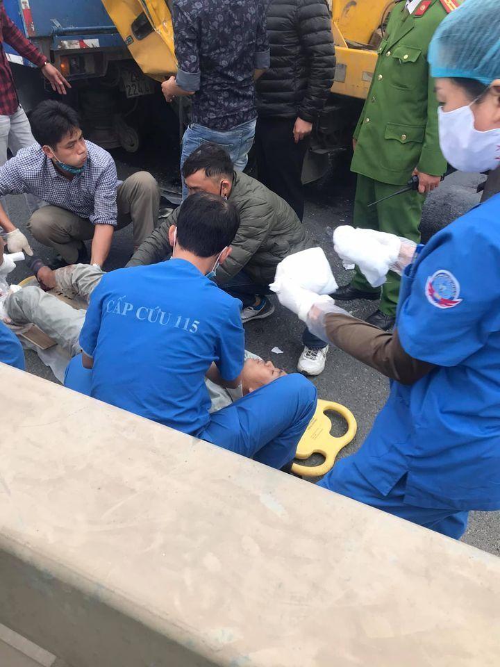 Vụ tai nạn làm tài xế xe rác tử vong, lái xe cứu hộ bị thương nặng