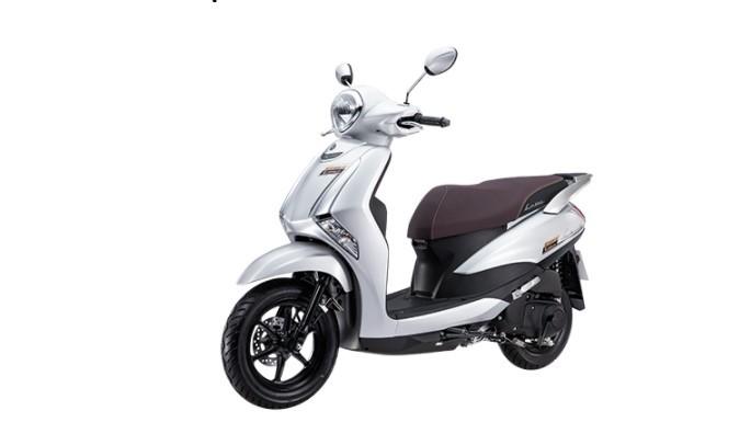 Yamaha Latte phiên bản giới hạn, màu bạc có giá 37.990.000 đồng.