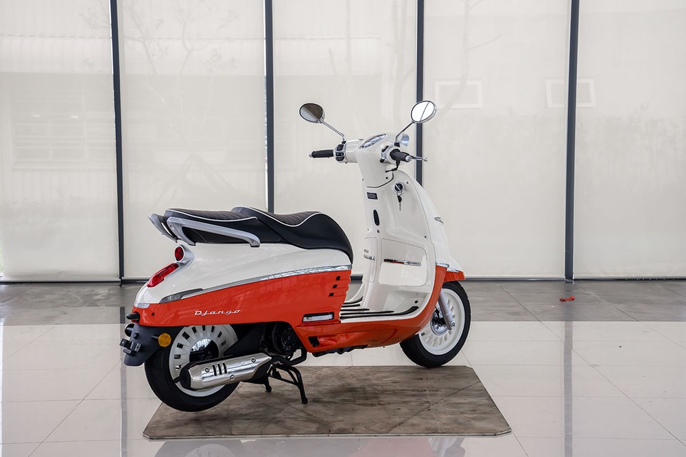Peugeot Django đỏ trắng