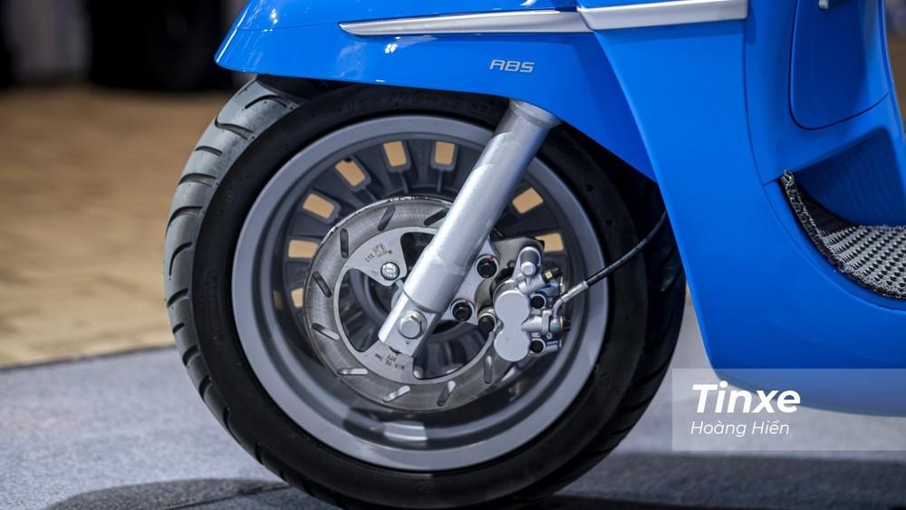 Bánh trước và hệ thống an toàn của xe Peugeot Django