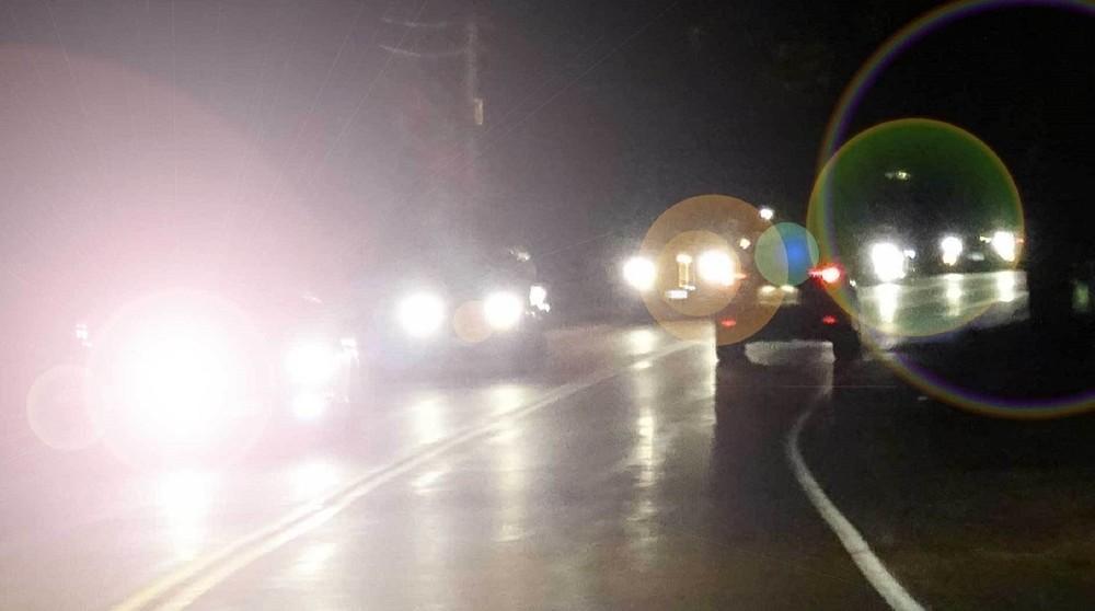 Sử dụng đèn cos, đèn pha an toàn và văn minh là điều mà các tài xế ô tô cần biết