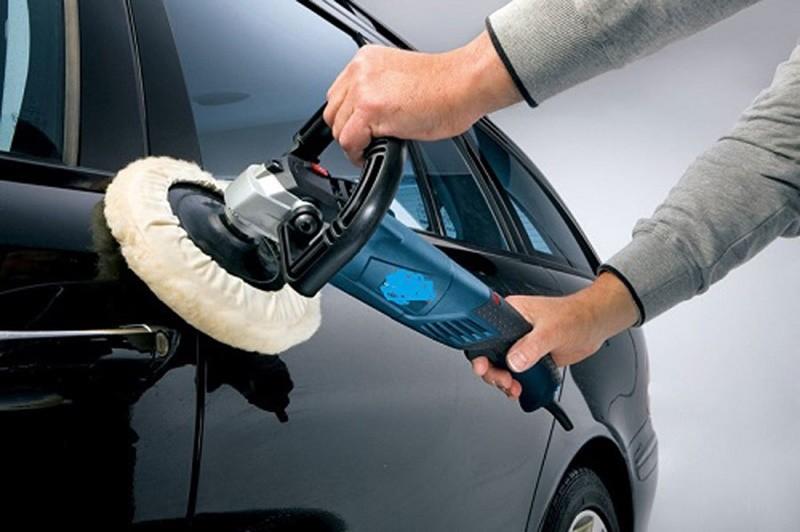Đánh bóng xe có nhiều mức giá khác nhau dao động từ 1 - 2,5 triệu đồng.