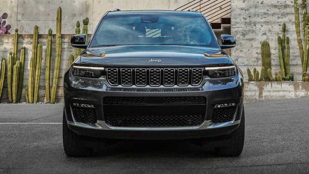 Cận cảnh thiết kế đầu xe của Jeep Grand Cherokee L 2021