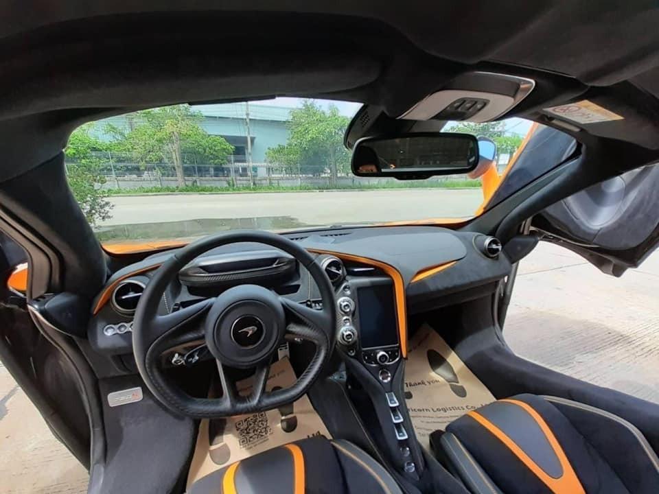 Nộithất siêu xe mui trần McLaren 720S Spider độcnhấtVũng Tàu