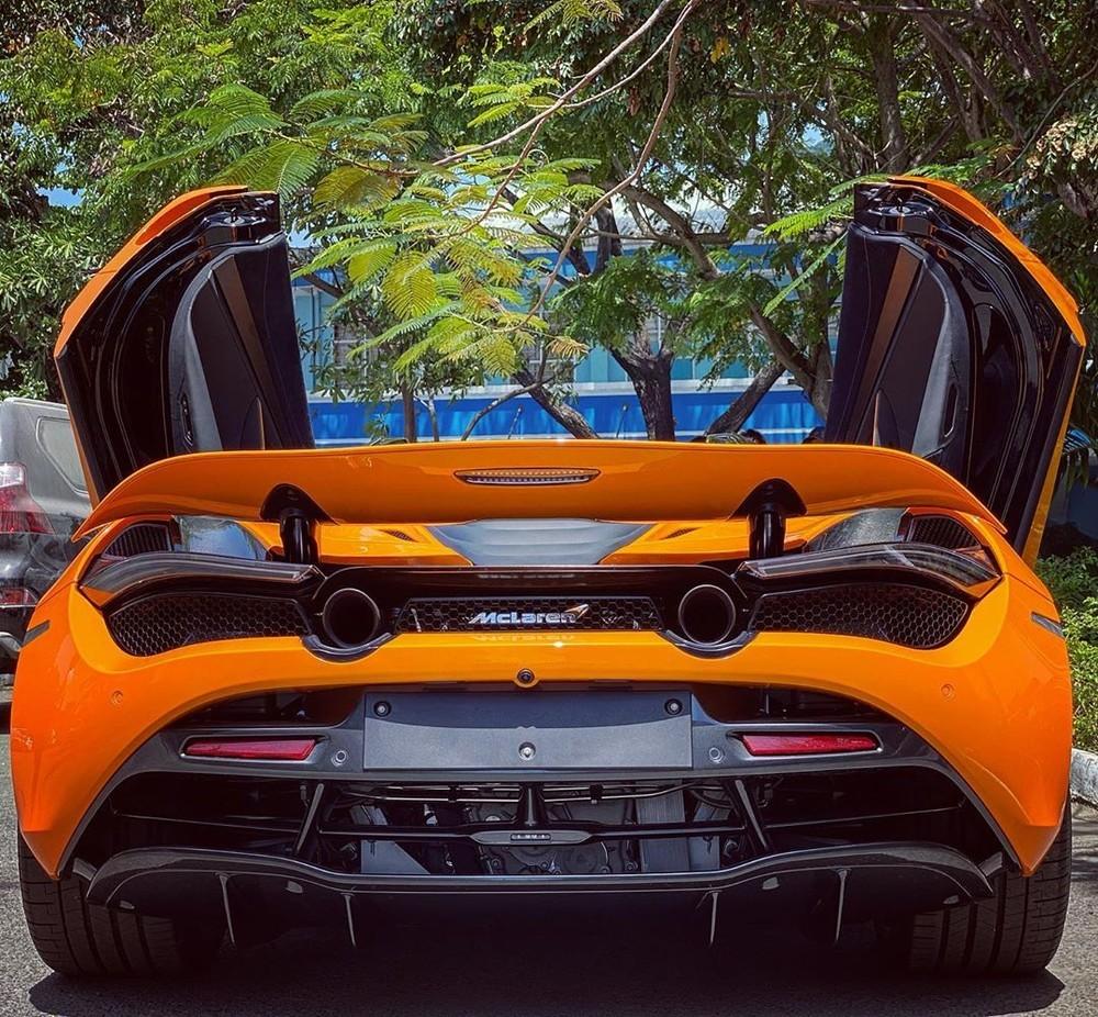 Vẻđẹp của siêu xe mui trần McLaren 720S Spider thứ 6 về Việt Nam